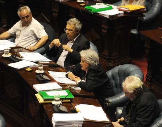 uruguay-legalize-parliament-620x412