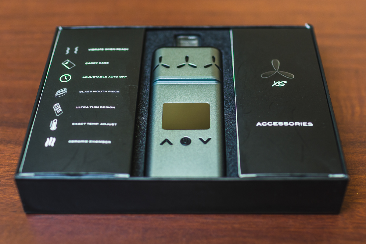 AirVape Xs vaporizer in the box